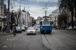 """Весна в Виннице. Уже долгие годы швейцарские узкоколейные трамваи """"Мираж"""" являются визитной карточкой города"""