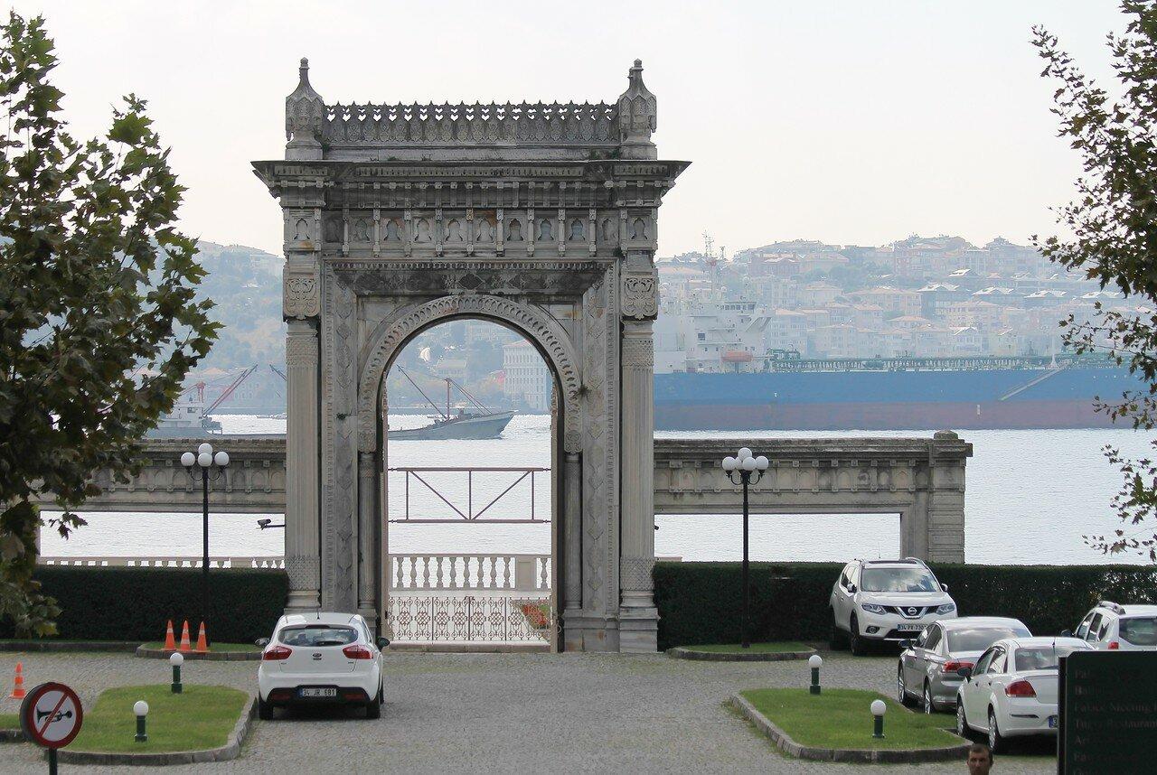Стамбул. Дворец Чираган (Çırağan Sarayı)