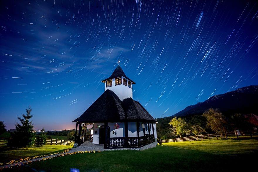 33. Монастырь в области Брашов. (Фото: Тудор Мигия)