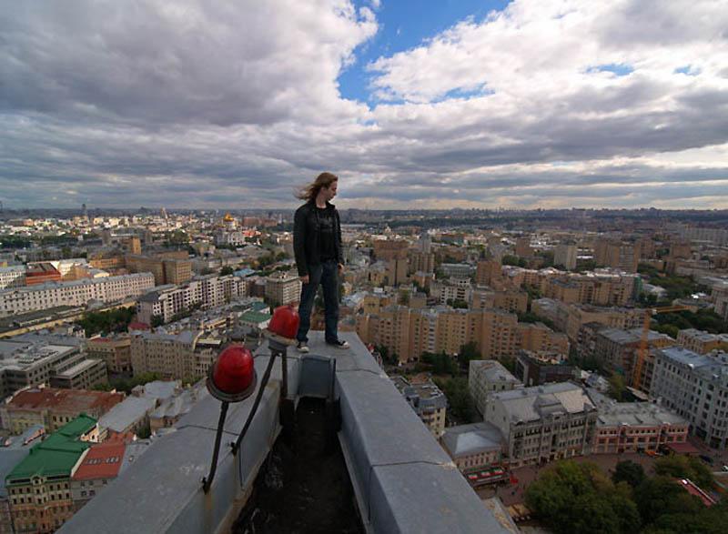 6. Экстремальный городской альпинизм стал субкультурой молодежи, и каждый год все больше молодых рос