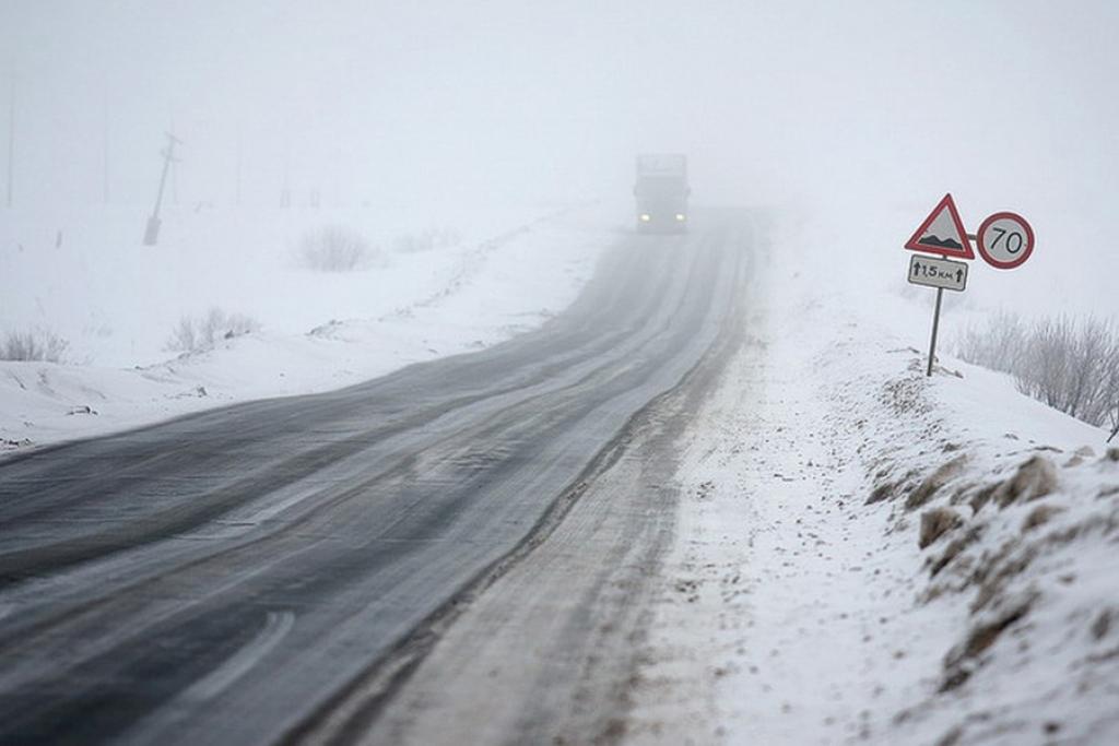 ВРостовской области опрокинулся автобус сшахтерами