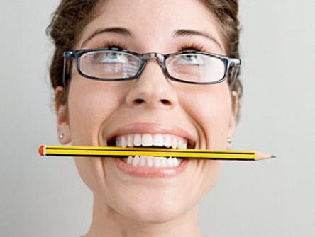 Упражнение для дикции с карандашом
