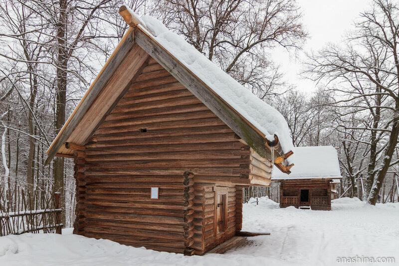 Амбар Грошевой, Щелоковский хутор