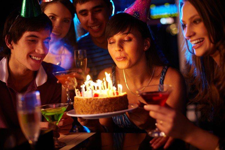 Парадокс дней рождения