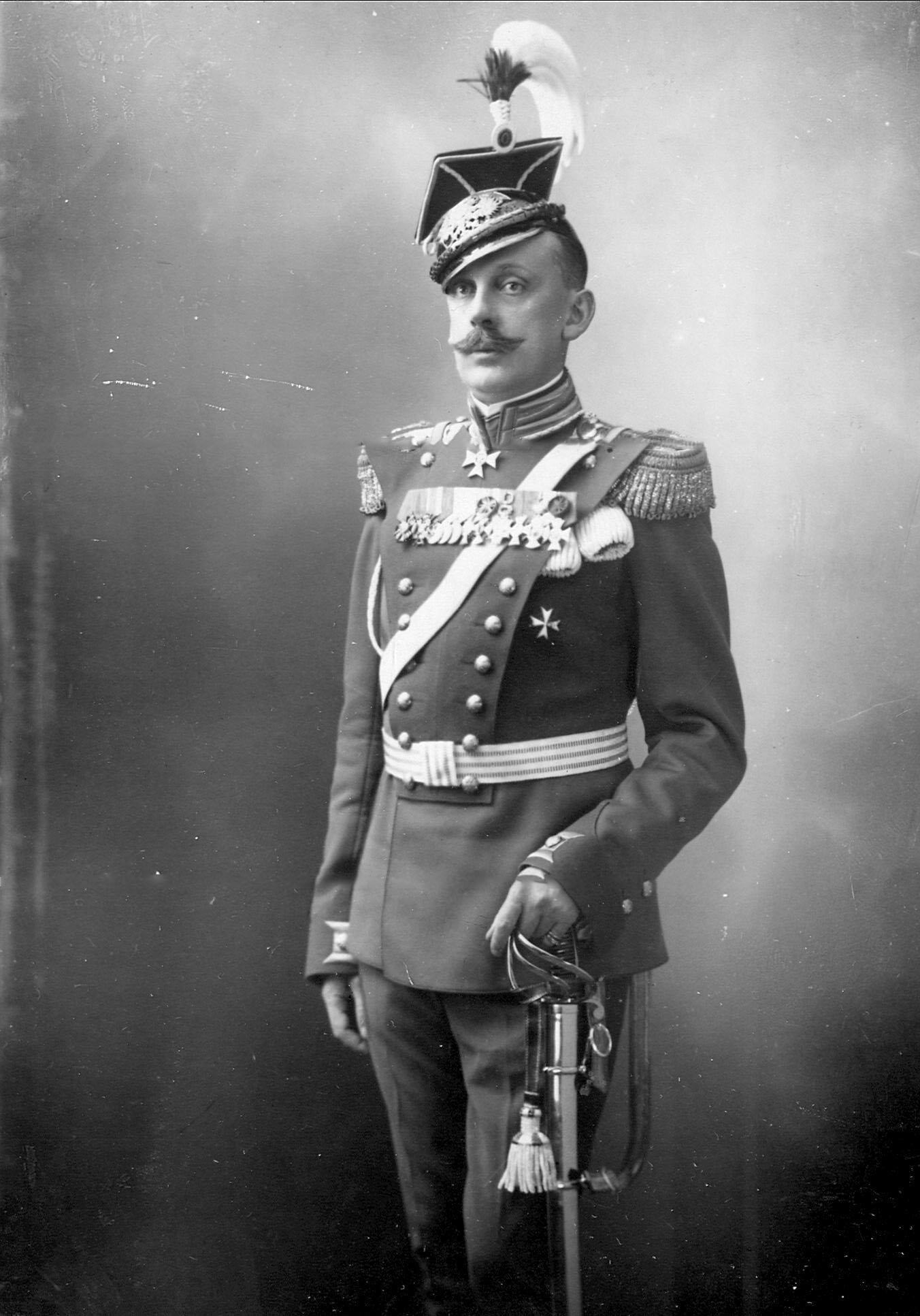Генерал-майор, командир Уланского Её Величества лейб-гвардии полка в 1910-1913 годах князь С.К.Белосельский-Белозерский