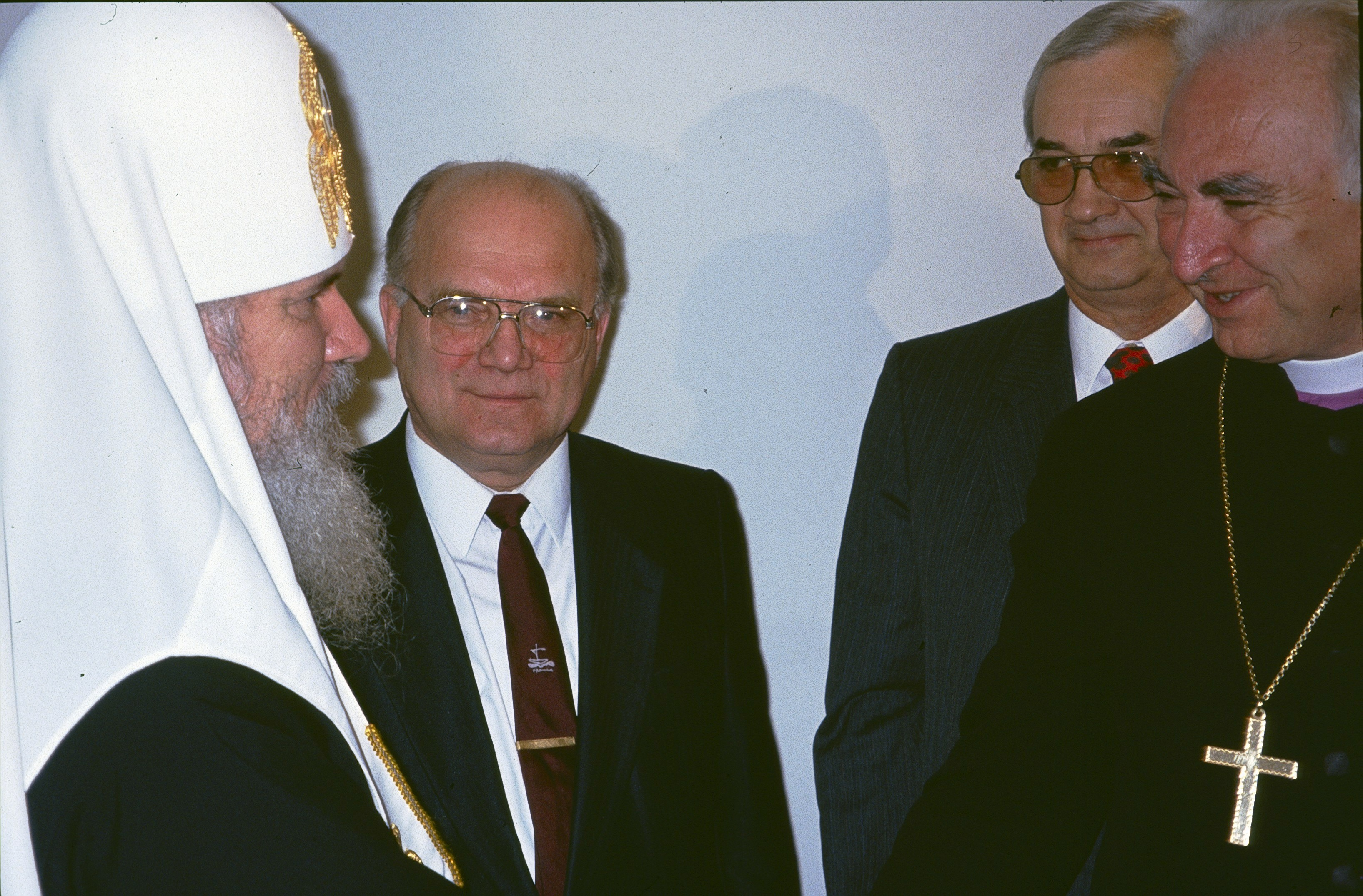 Патриарх Алексий II, епископ и Алексей Бычков на открытии Библейского общества