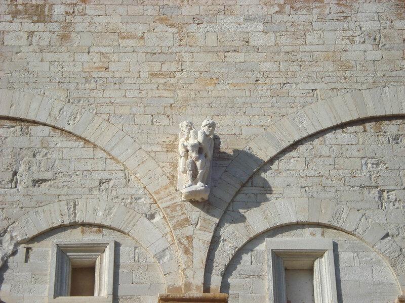 047-южный фасад (фрагмент).jpg