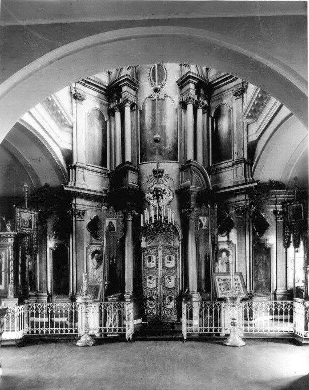 Pavlovsk_interjer_cerkvi_sv_Ekateriny_1910-e.jpg