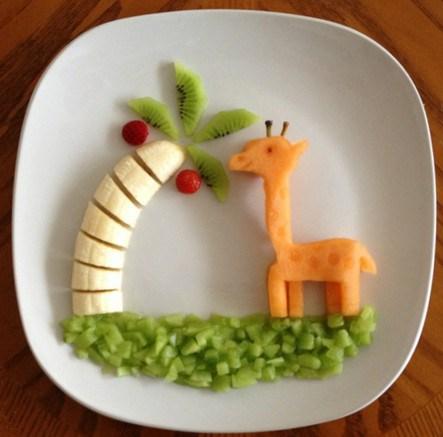 2 июня День здорового питания. Накормите малыша