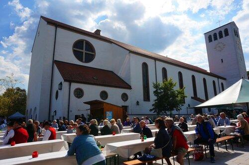 Праздник у церкви Святой Марии. Штарнберг.