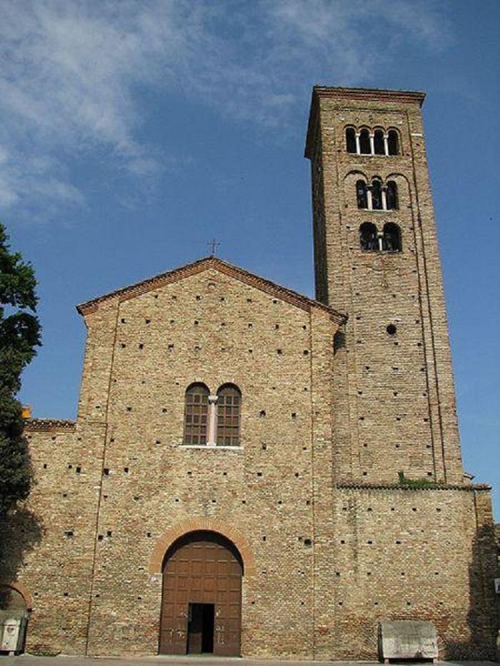 6. Смерть Алигьери, как и вся жизнь, окутана мистикой. Данте отправился в Венецию в качестве посла п