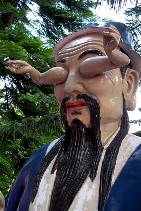 23 статуи, глядя на которые ты точно усомнишься в адекватности их творцов. (20 фото) 18+