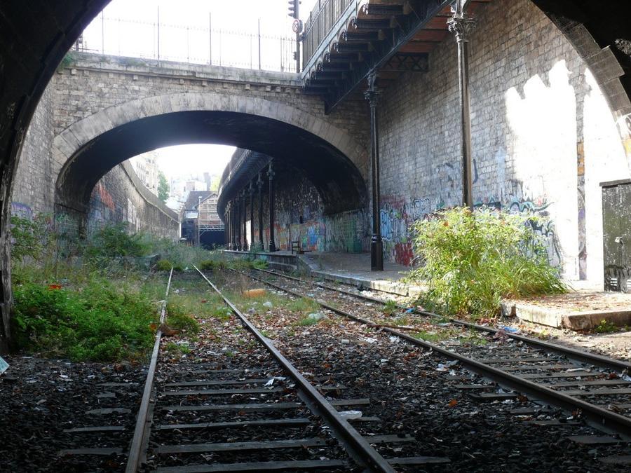 3. Сейчас для посещений официально открыты всего лишь несколько километров путей – от вокзала Отёй (