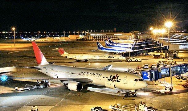 Не будучи туристическими достопримечательностями в привычном смысле, аэропорты, тем не менее, являют