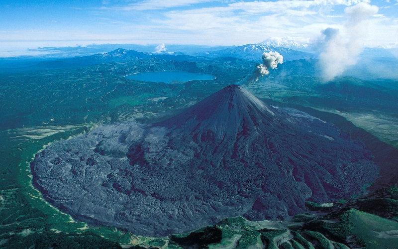 Йеллоустоунский вулкан  Самый большой в Северной Америке супервулкан расположен на территори