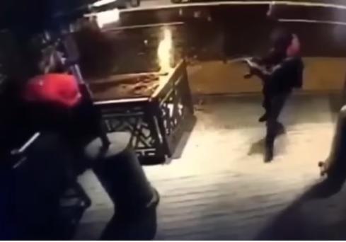 Телефон спас жизнь жителю америки при теракте вСтамбуле
