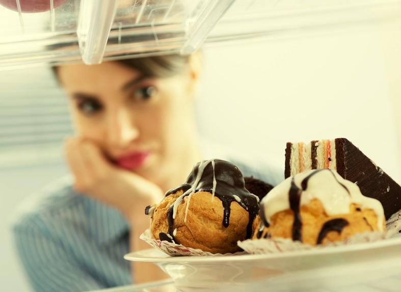 Ученые назвали продукты, вызывающие привыкание— Пищевая зависимость