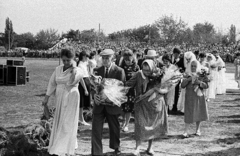 Это нашей истории строки... День города. 70-е годы. Фото Н. Бродяного.jpg