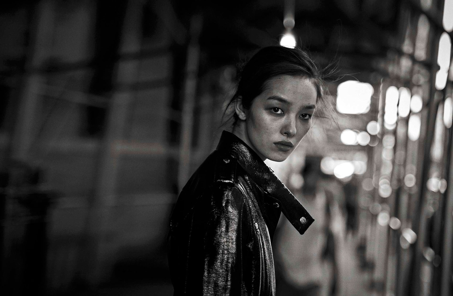 Fei Fei Sun - Walking by Peter Lindbergh - Vogue Italia october 2016