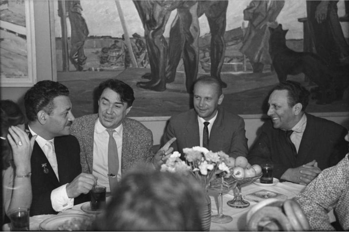 1967. Манолис Глезос, Борис Полевой, Стефан Хермлин и Исидор Винокуров