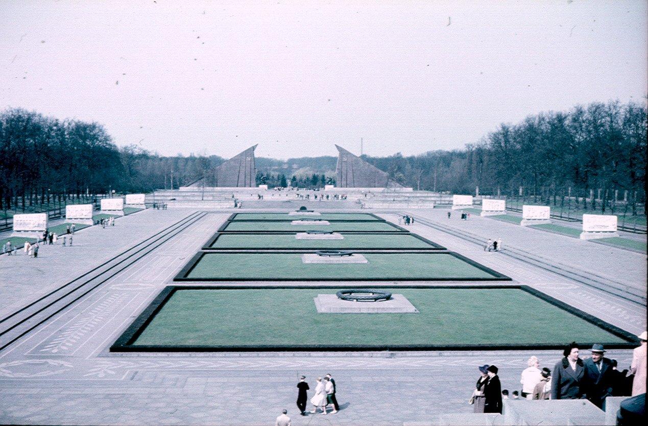 Берлин. Советский мемориал в Трептов-парке