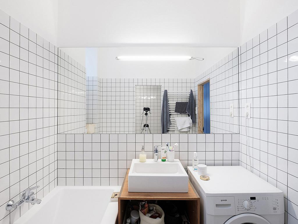 modern-apartment-wiht-hidden-room-16-1360x1020.jpg