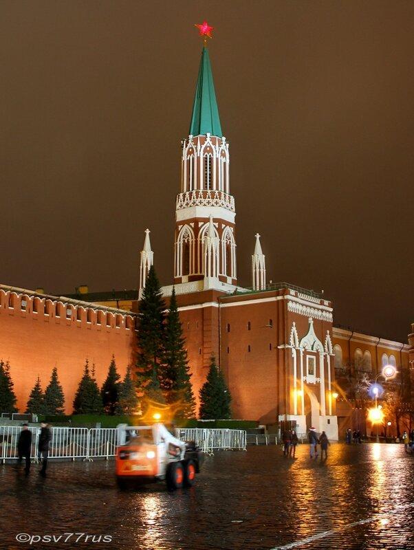 Никольская башня. Кремль.
