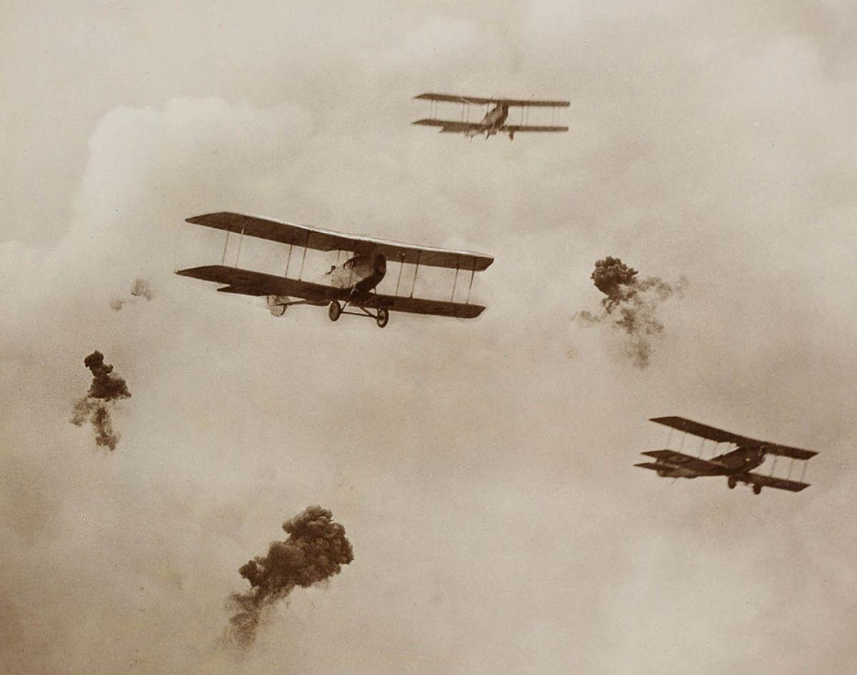 Снайпер за пулеметом: охота на самолет противника