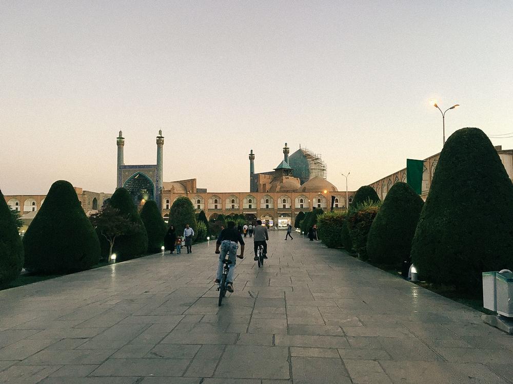 Мечеть шейха Лютфуллы на площади Накш-е Джахан в Исфахане. «Оба моих родителя — из Ирана, но мы нико
