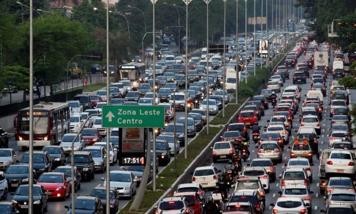 Абсолютный рекорд по протяженности пробки удерживает Сан-Паулу. Летом 2008 года встала третья часть