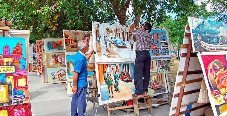С кубинских базаров можно и нужно привести эксклюзивные картины местных художников. Такой вклад в ин