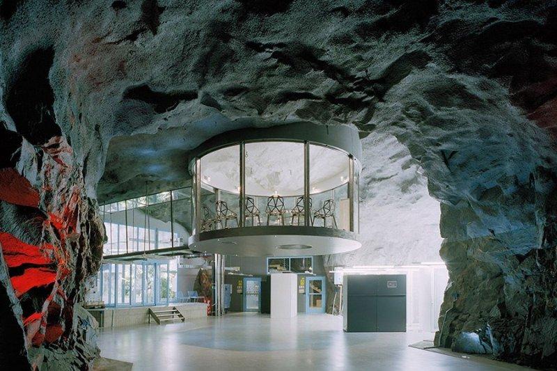 Пещера Постойна яма, Словения Возраст Постойны, одной из самых крупных пещер, сформировавшихся в изв