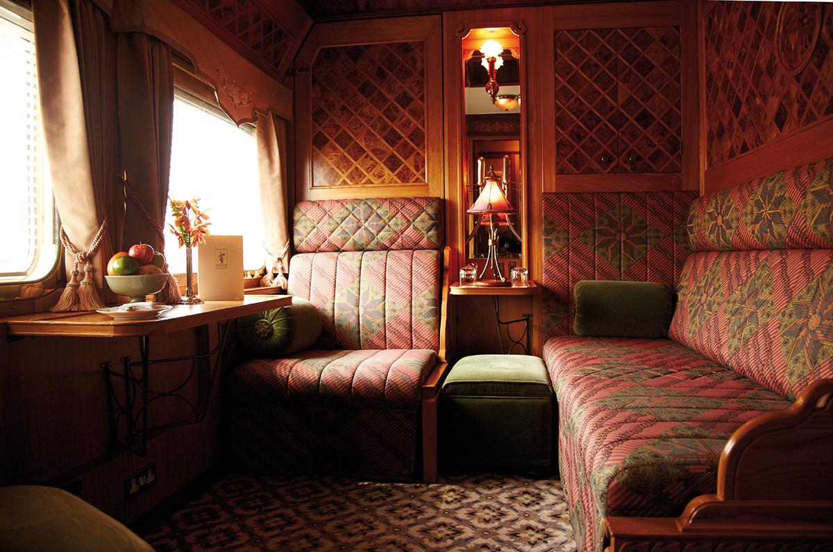 Этот поезд, который с легкостью сравнится с любым пятизвездочным отелем, следует по маршруту из Синг