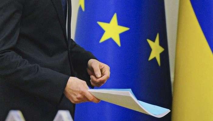 ЕС возвратит визовый режим вслучае сворачивания перемен вгосударстве Украина