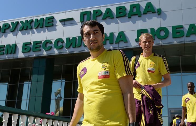 Прежний футболист «Анжи» Гаджибеков подписал договор с«Крыльями Советов»