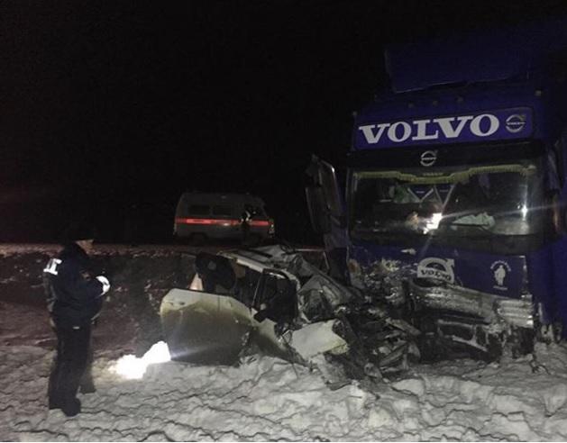 Семь человек погибли вДТП вСаратовской области