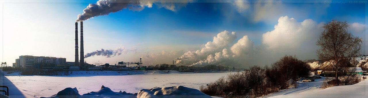 Панорама промзоны с правого берега Томи (© NickFW - 18.01.2017)