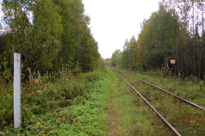 Знак остановка локомотива у платформы 358 км Ивановские казармы перегона Весьегонск - Овинище-2