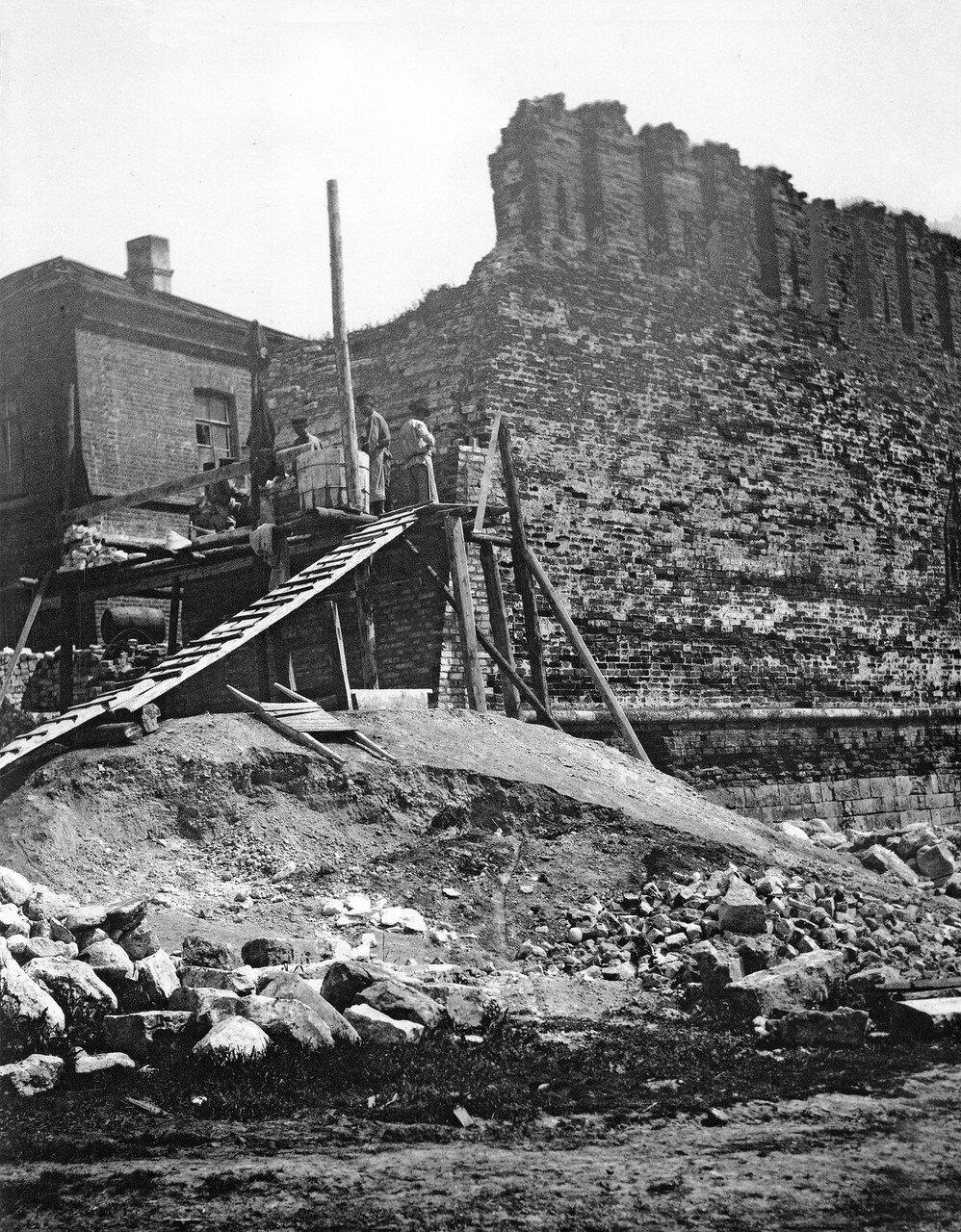 Укрепление торца крепостной стены возле пожарного двора. 1912