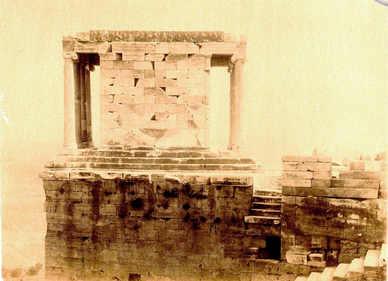 25. Афины. Храм Ники Аптерос. Вид сбоку