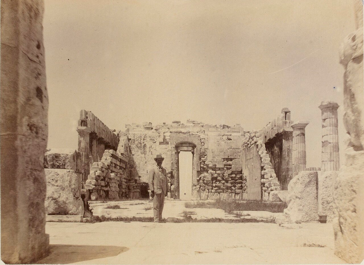42. Афины. Внутри Парфенона