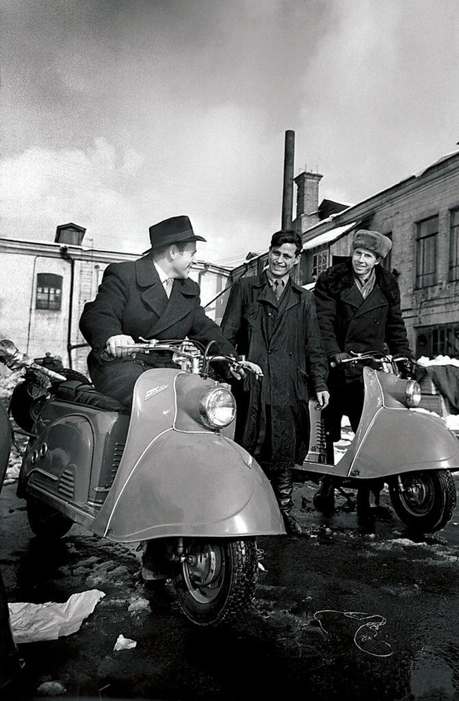 Село Кизильское. Личный транспорт (1955)