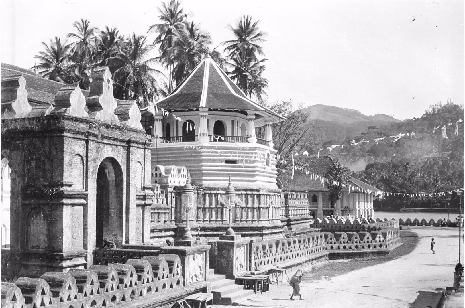 209. Храм Зуба Будды (Шри Далада Малигава) в Канди