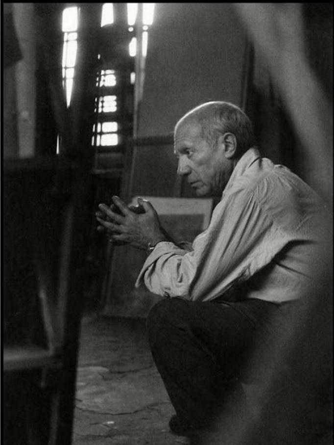 1948. Пикассо в своей мастерской на улице Великих Августинцев