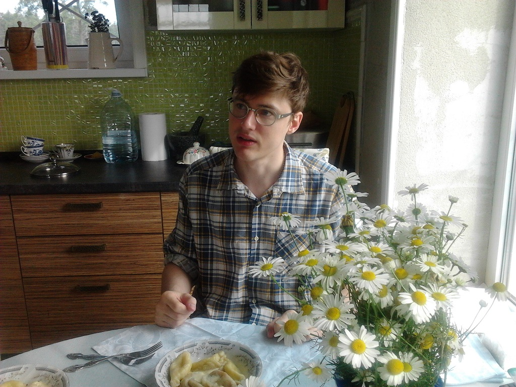 ООРТ дома ест хуёвые вареники