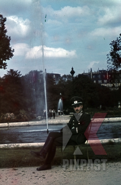 stock-photo-paris-france-1940-german-red-cross-officer-fountain-uniform-8303.jpg