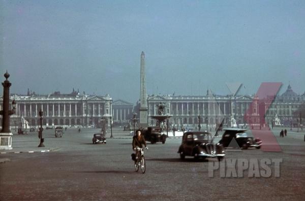 stock-photo-place-de-la-concorde--luxor-obelisk-in-paris-france-1940-10973.jpg