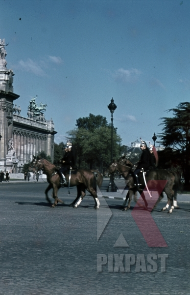 stock-photo-ww2-color-french-horse-cavalry-paris-france-1940-8310.jpg