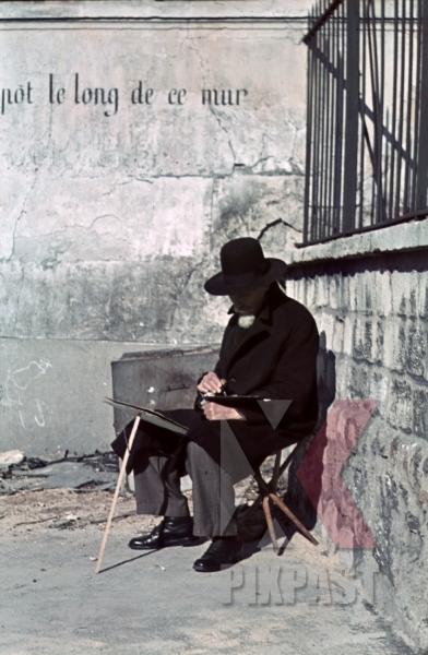 stock-photo-ww2-color-paris-france-poor-artist-drawing-street-seller-1940-8308.jpg