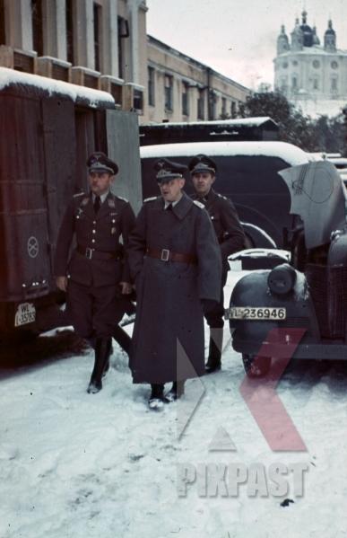 stock-photo-luftwaffe-staff-in-smolensk-russia-1941-8472.jpg
